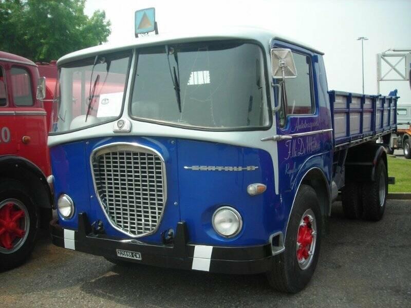 Raduno camion d'epoca