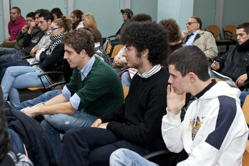Alessandro Rosina incontra gli studenti