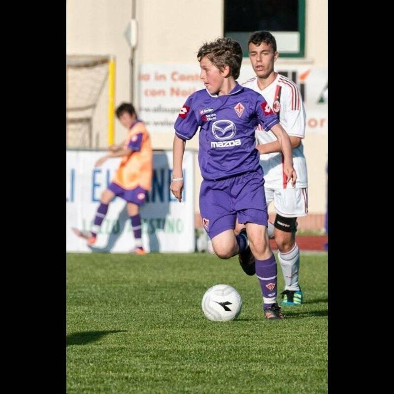 Nicolò Zaniolo in azione con la maglia della Fiorentina