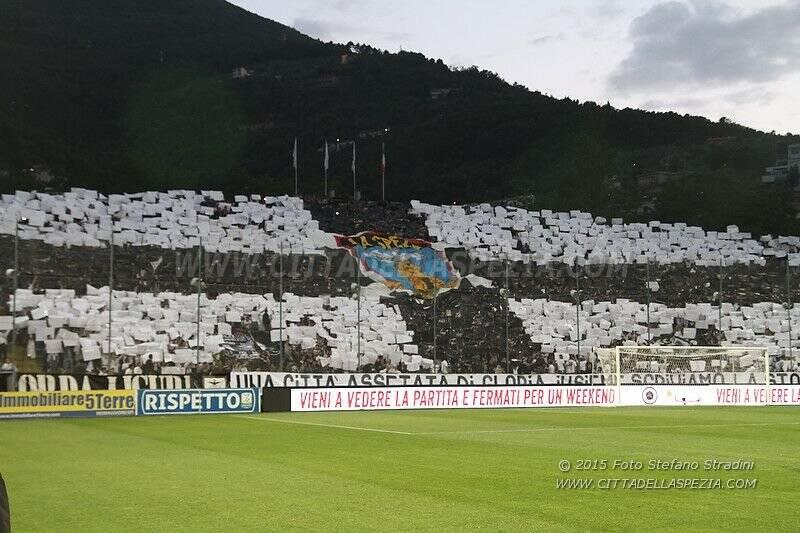 26.05.2015 PlayOff Spezia - Avellino 1-2 TIFOSI CURVA FERROVIA ULTRAS