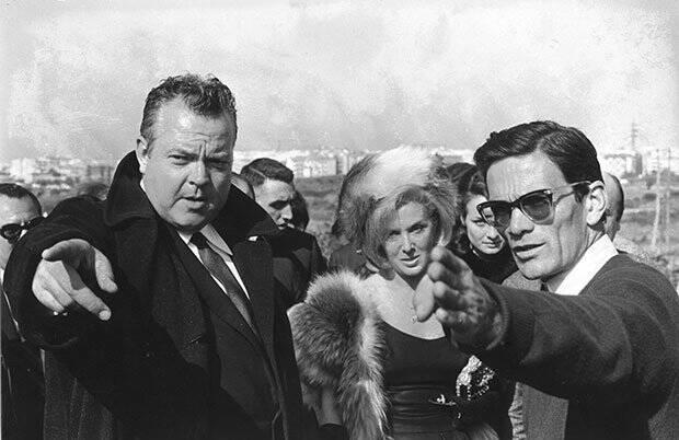 """Un'immagine da """"La Ricotta"""". Orson Welles e Pier Paolo Pasolini"""