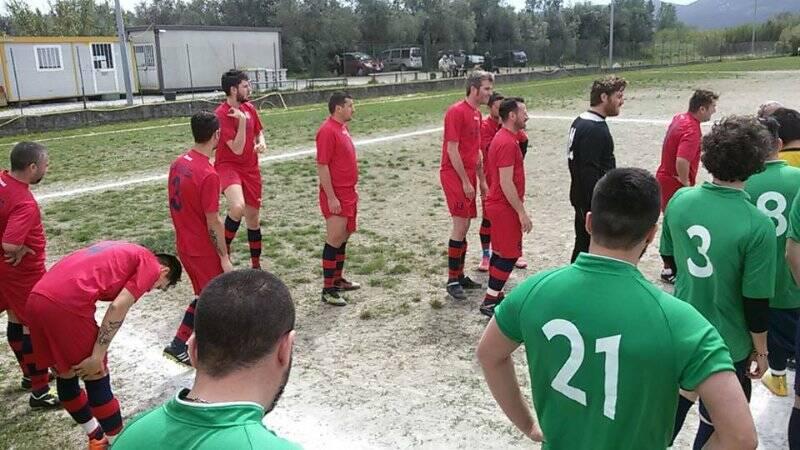 Wanp Sarzana e Reali Zignago pronte ad entrare in campo prima della loro partita di campionato.