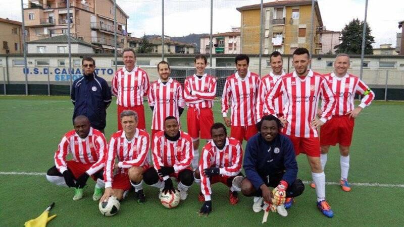 L'Atletico Spezia che ha vinto la Coppa di Lega della Uisp spezzina.