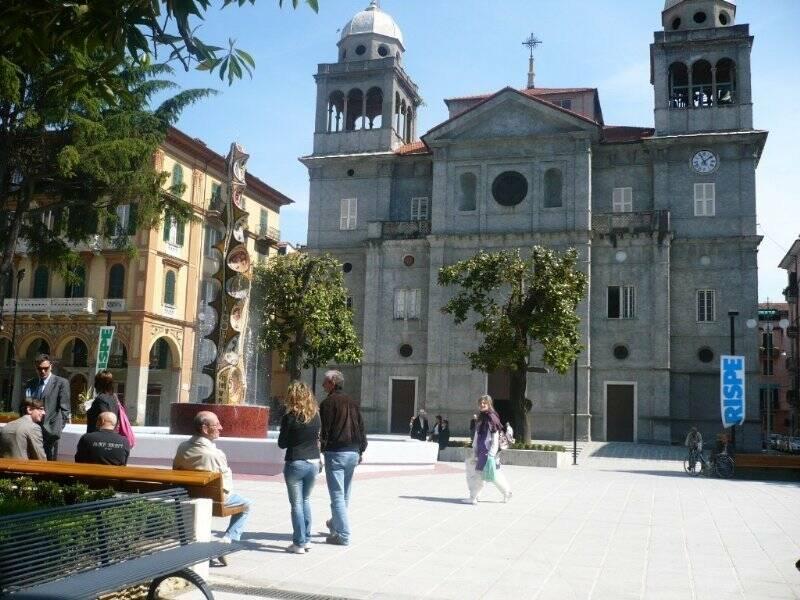 Piazza Brin - Chiesa di Nostra Signora della Scorza