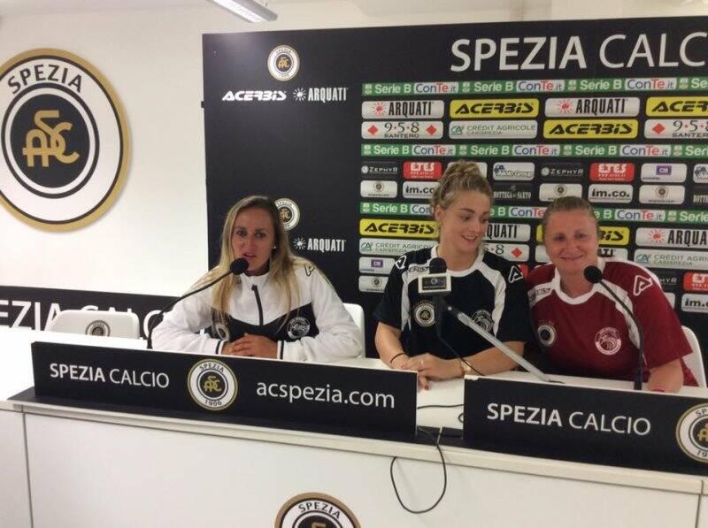 Nella foto alcune giocatrici dello Spezia Calcio Femminile
