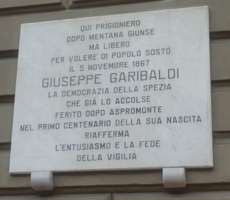 La targa che ricorda il soggiorno di Giuseppe Garibaldi a Palazzo Croce di Malta