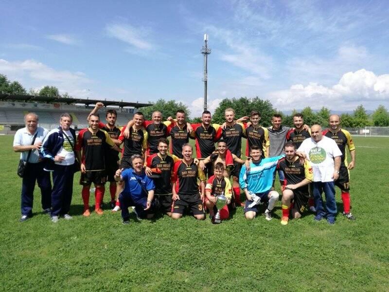I lunigianesi del Virgoletta festeggiano il Titolo Nazionale Uisp di Calcio ad 11.