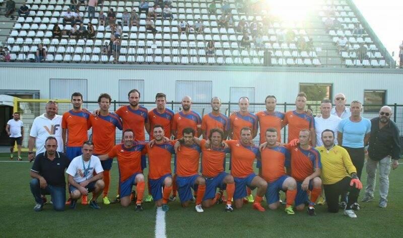 Il VF Alinò che ha vinto il sesto consecutivo titolo provinciale Uisp della Spezia e Val di Magra.