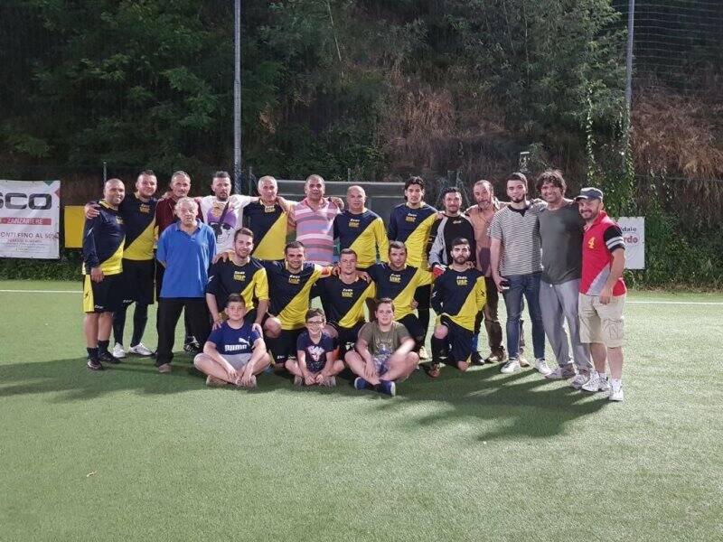 La formazione dell'Edilbrija Campione Regionale della Liguria di Calcio a 7 Uisp.