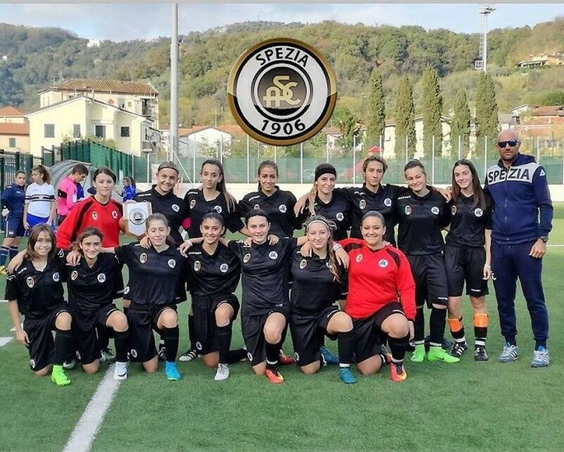 Nela foto lla formazione delle Giovanissime Under 15 dello Spezia Calcio di mister Leonardo Federici