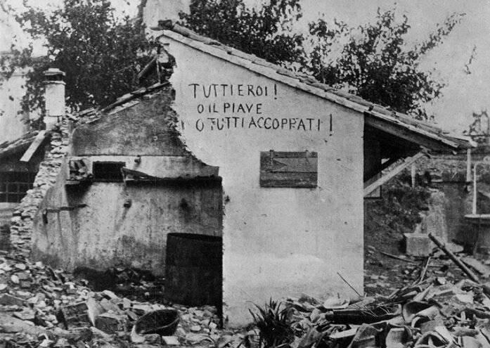 Una casa dilaniata dalle esplosioni sul Piave