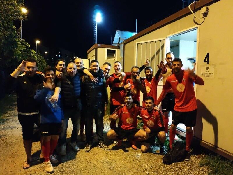 Il Las Pezia che ha vinto i Play - Off di calcio a 7 della Uisp spezzina ottenendo il salto di categoria in Serie C.
