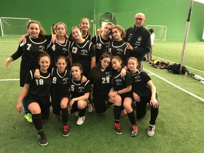 Le ragazze dell'ISA 1 Piaget allenate dal professor Baudinelli.