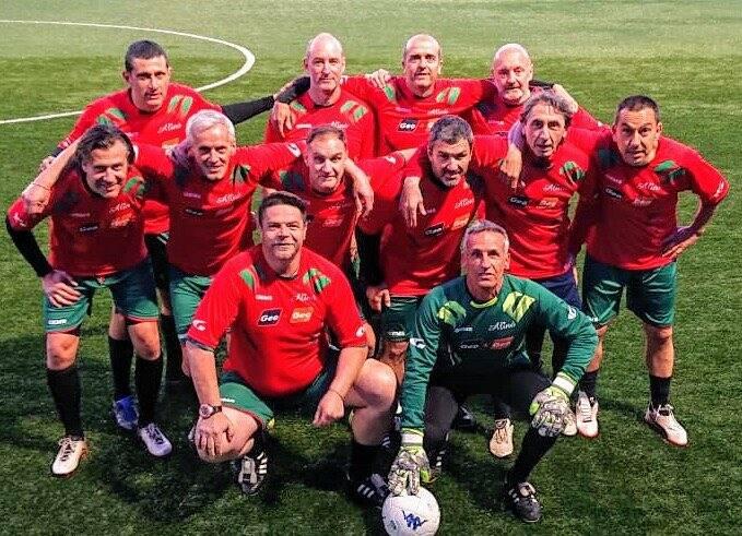 La formazione della Locanda Alinò campione provinciale della Uisp nell'Over 45.