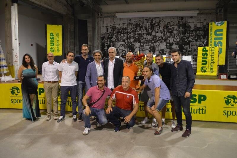La Locanda Alinò campione nel calcio a 11, a 7 e Over 45 della Uisp provinciale premiata all'ex Ceramica Vaccari.