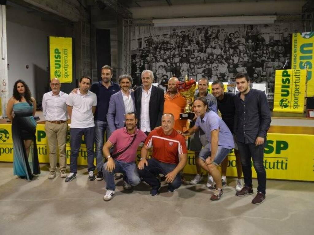 La Locanda Alinò campione nella Serie A del calcio a 11 Uisp, nella Serie A del Calcio a 7 e nell'Over 45 di Eccellenza premiata all'ex Ceramica Vaccari.