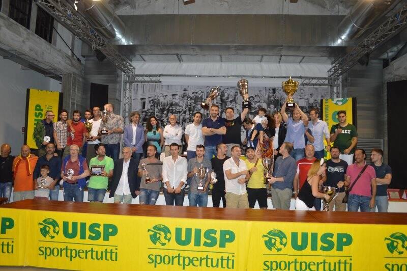 Lo Sporting Bacco che ha fatto doppietta venendo promosso in I Serie anche nel calcio a 11 della Uisp provinciale.