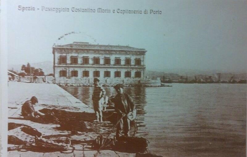 Una immagine d'epoca di Passeggiata Morin e Molo Italia