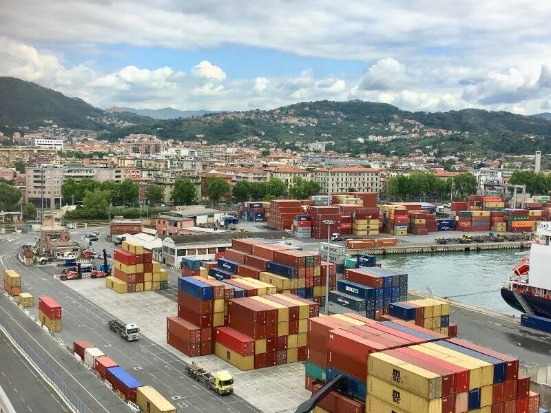 Container su Molo Garibaldi