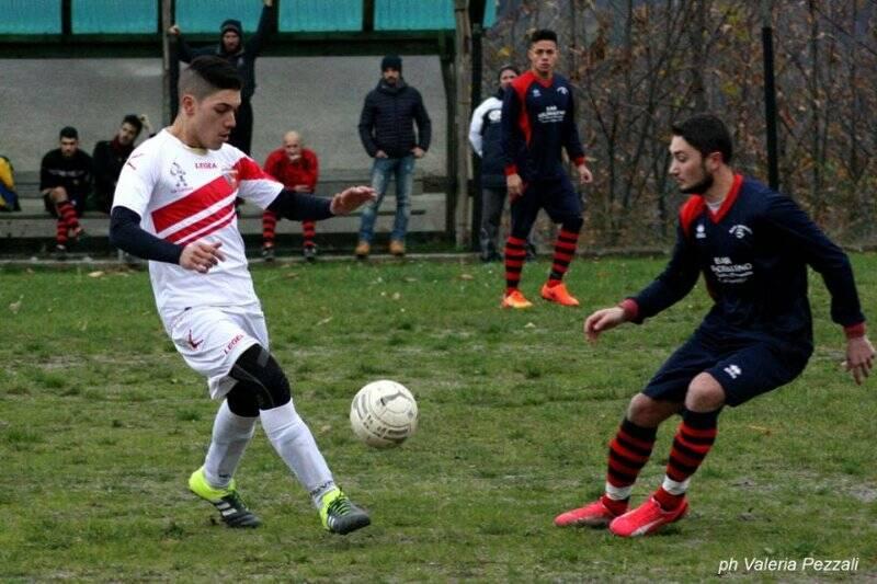 """Itan """"Lo Zar"""" Makitov, in maglia rossoblu, attaccante del Real Zignago"""