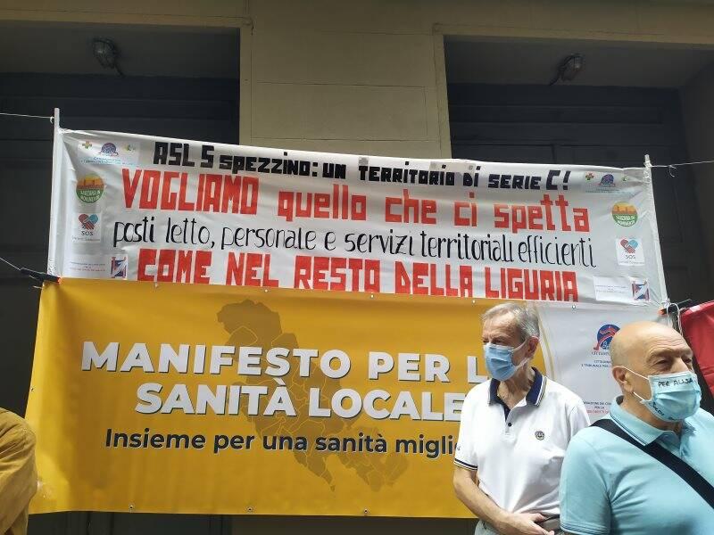 Sanità, le associazioni tornano a manifestare in Via Fazio