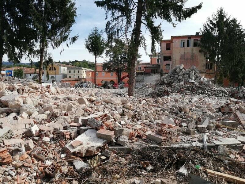 Il retro del vecchio ospedale San Bartolomeo