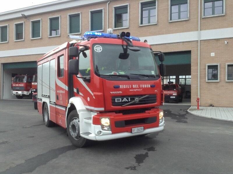 Un mezzo dei Vigili del fuoco di Sarzana