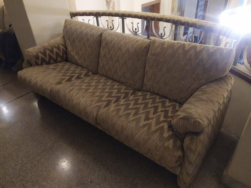 Un divano del Teatro civico
