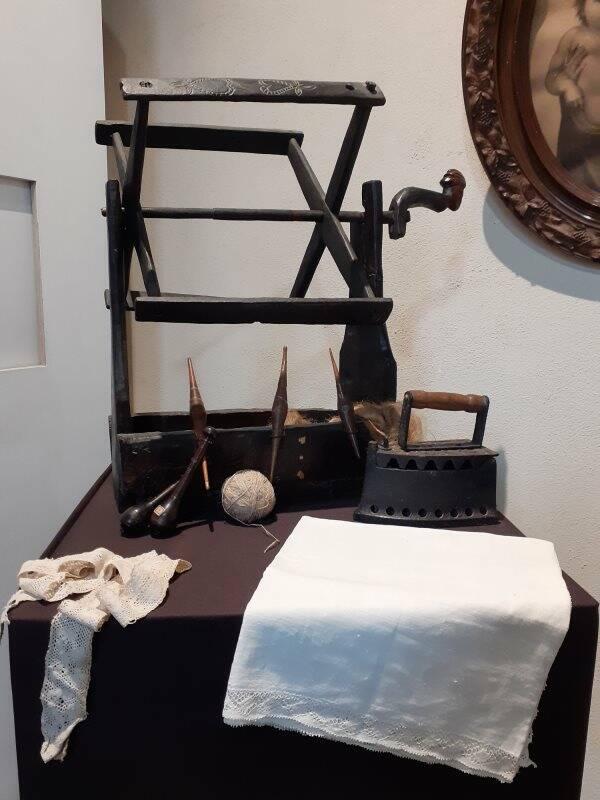 La tessitura casalinga esposta al Museo etnografico