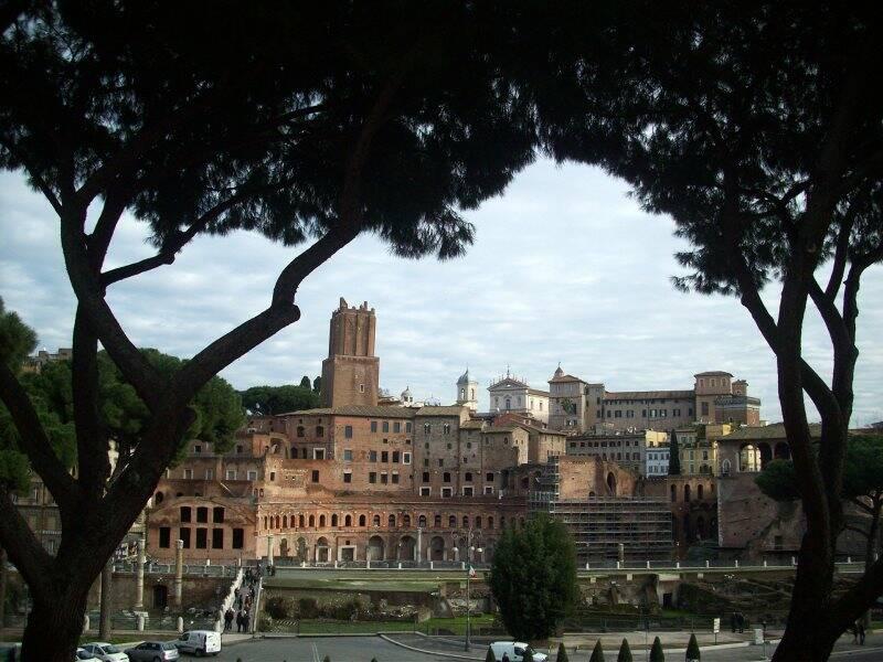 Roma, i Fori Imperiali    (2010)    (foto Giorgio Pagano)