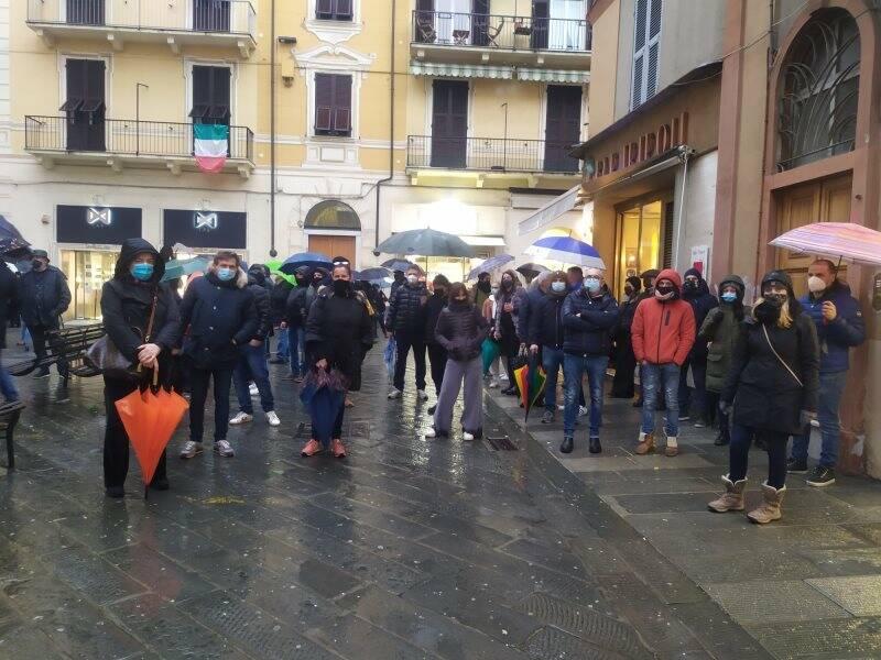 Titolari di bar e ristoranti in manifestazione