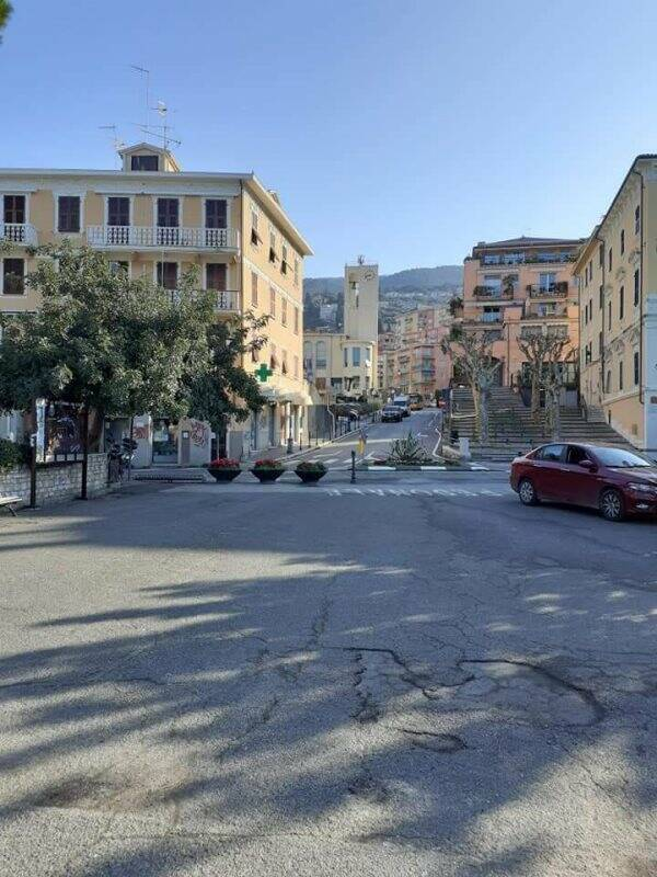 Lerici, Rotonda Vassallo e Via Gerini deserte