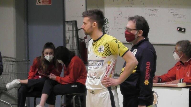 Ruggeri e alle sue spalle coach Simoncini
