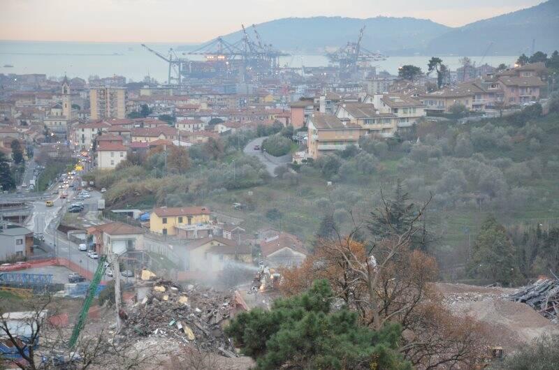 L'ospedale Felettino demolito