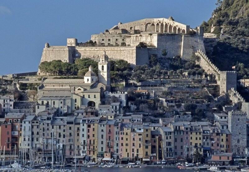 Il Castello Doria e le mura