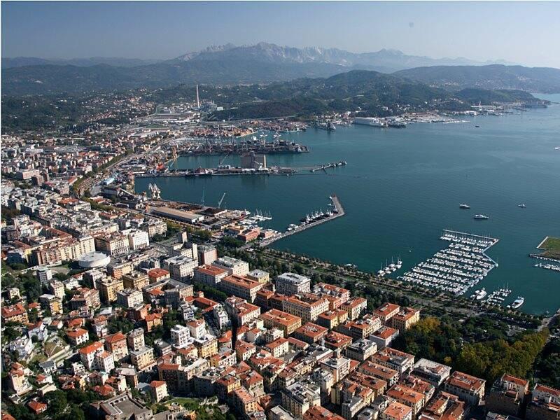 La Spezia, la Morin, il porto e la centrale