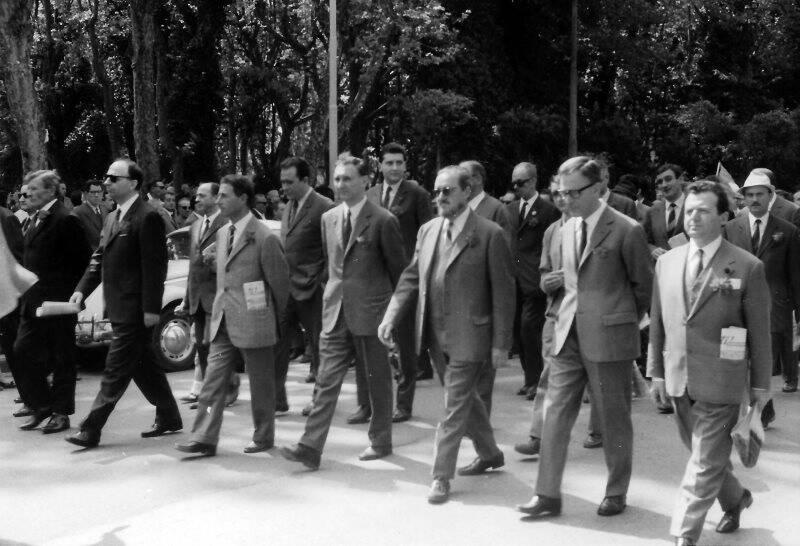La Spezia, viale Mazzini - manifestazione del PSU - da destra Virginio Linari, Angelo Landi, Romolo Formentini, Pietro Cavallini, Gualtiero Zago, Mario Zangani - fine anni Sessant