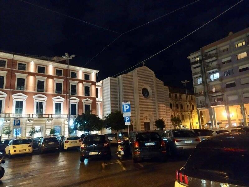 Piazza Beverini e la chiesa di Santa Maria Assunta