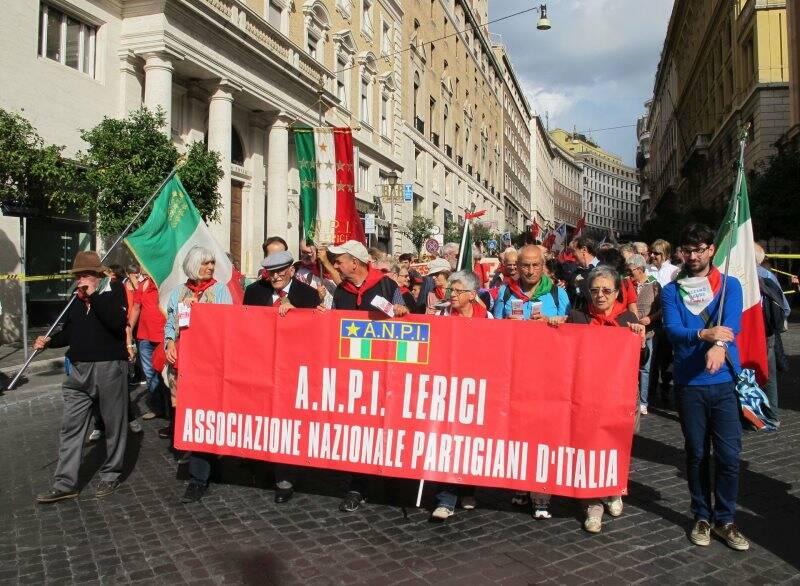 """Roma, Giuseppe Cargioli """"Sgancia"""" e Luigi Fiori """"Fra Diavolo"""" alla manifestazione """"La via maestra"""",12 ottobre 2013 (2013) (foto Giorgio Pagano)"""