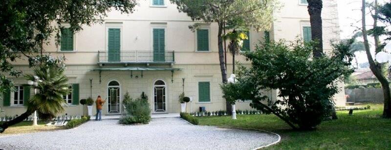 Il parco di Villa Bertelli