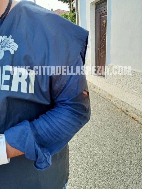Uno dei Carabinieri feriti