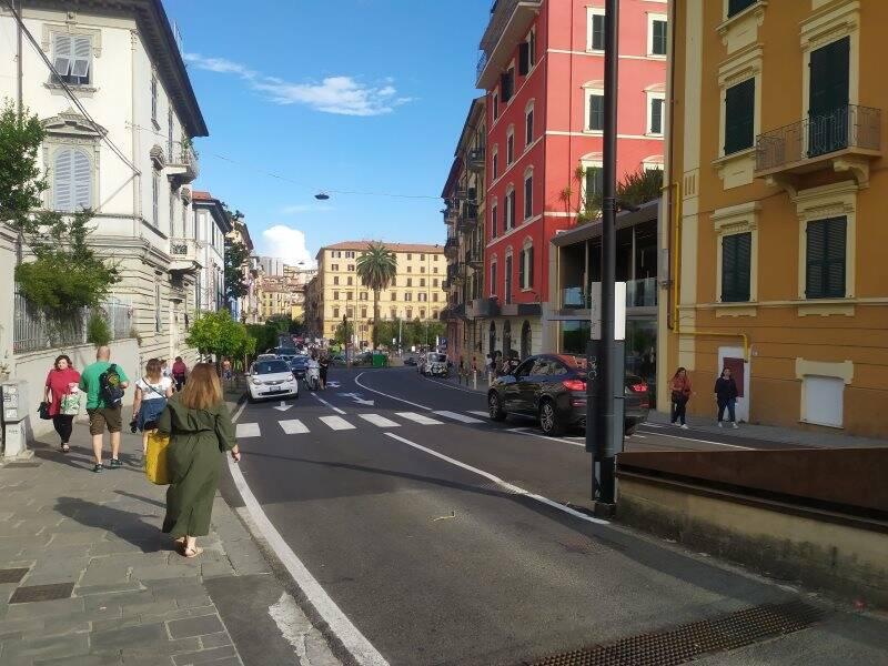 Dal piazzale della stazione centrale della Spezia