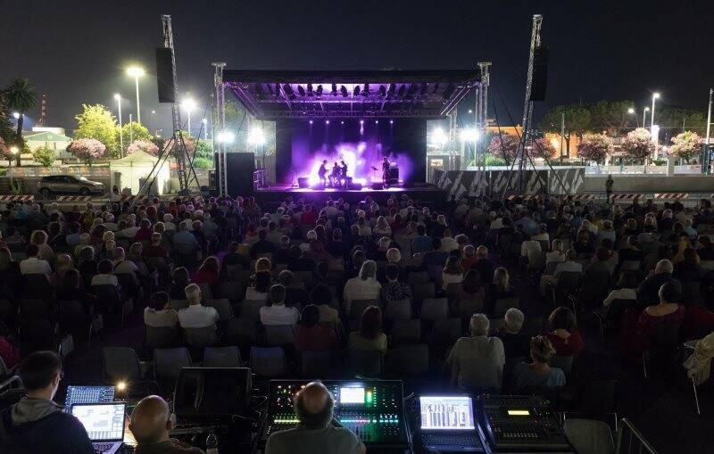Il pubblico presente al concerto di Paolo Fresu