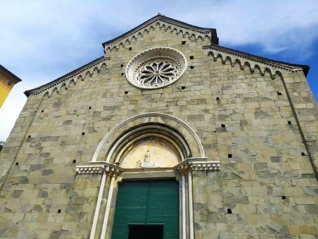 La facciata della chiesa di Corniglia
