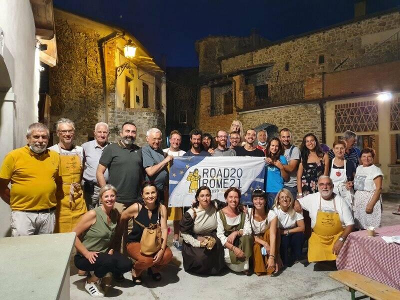 Foto di gruppo dopo la cena alla Quercia