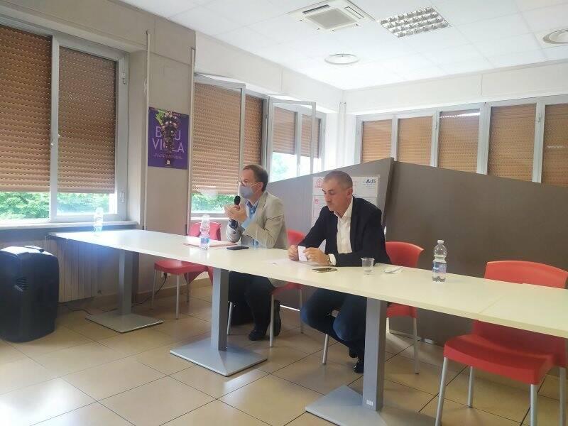 Il direttore generale di Asl 5 Paolo Cavagnaro e il sottosegretario alla sanità Andrea Costa