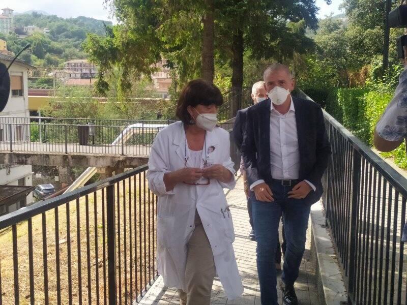 Il sottosegretario Costa in visita al Sant'Andrea