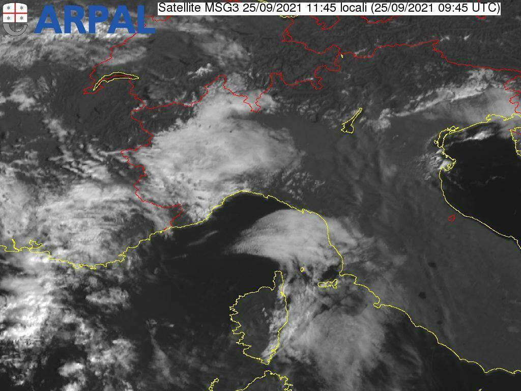 Allerta meteo in arrivo sulla Liguria, l'immagine del satellite
