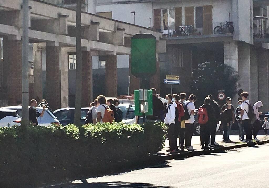 Fermata bus Viale Italia davanti al Nautico