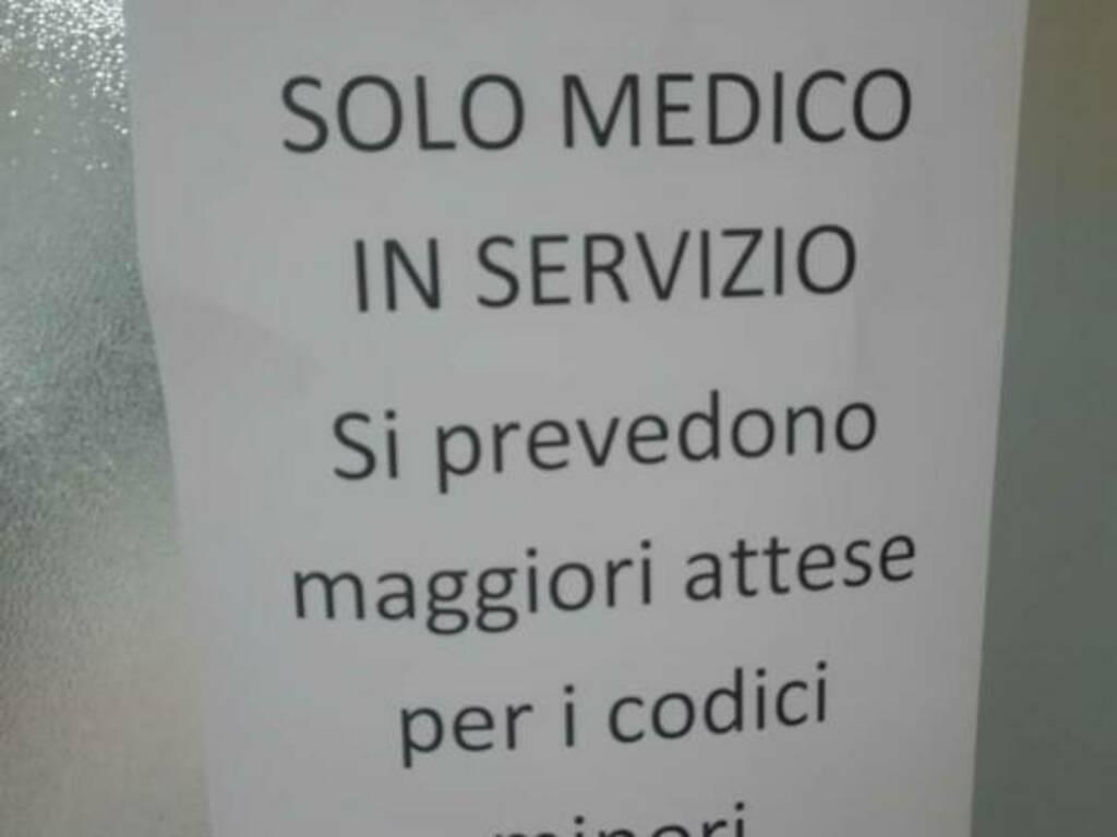 Foto del cartello apparso domenica al San Bartolomeo, trasmessa dalla vice segretaria Castagna